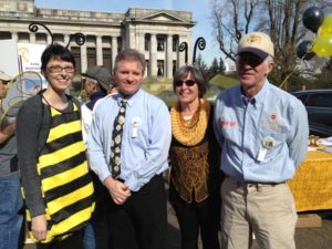 Four of the Honey Bee Work Group Members In Olympia for Leg Day: Krista Conner, Tim Hiatt, Franclyn Heinecke, Paul Hosticka